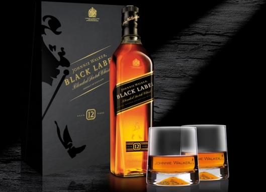 Weihnachten genie§en mit Johnnie Walker Black Label - dem perfekten Geschenk fŸr gute Freunde und die Familie