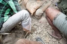 NepalEarthquakeManPartBuried